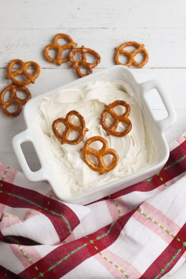 how to make a snowman gift in a jar covered pretzels