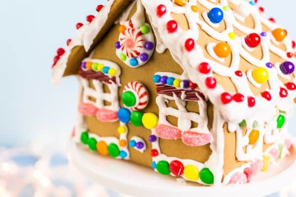 simple gluten-free gingerbread house