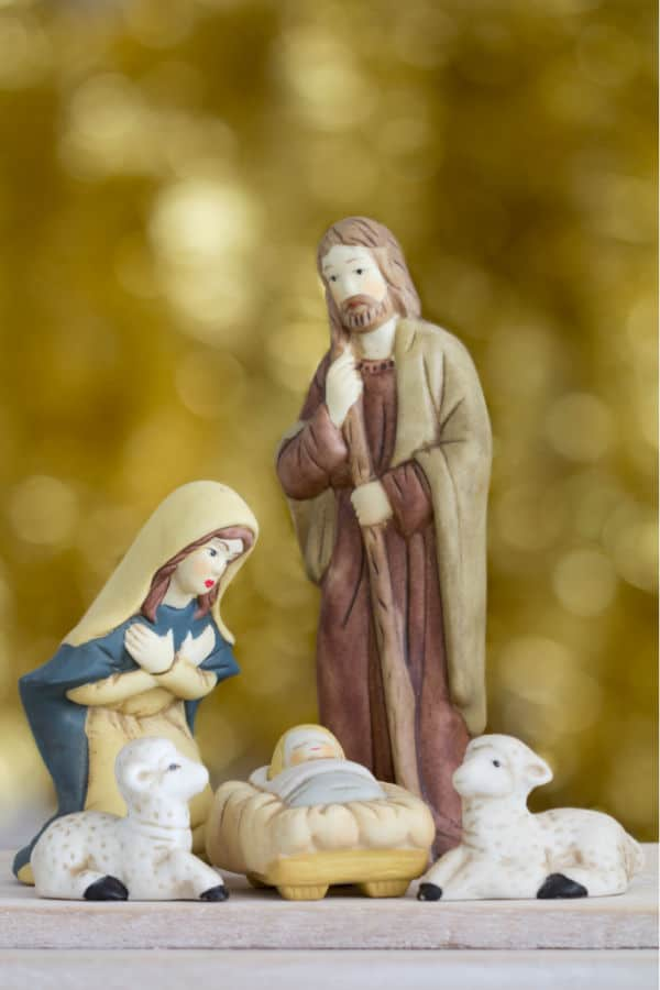 how to pick a nativity set for your kids