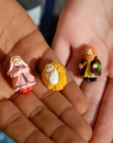 How to Pick the Right Nativity Set for Your Kids