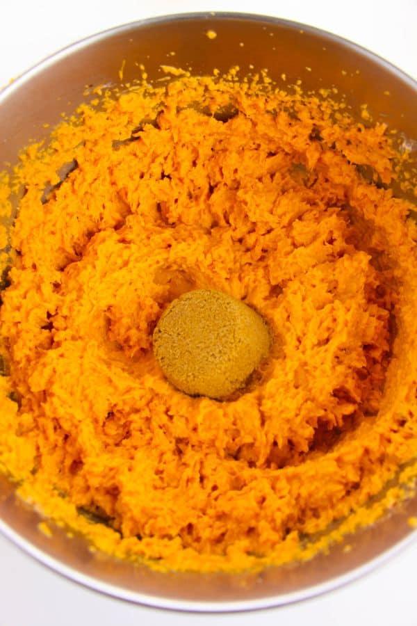 blending sweet potatoes for casserole