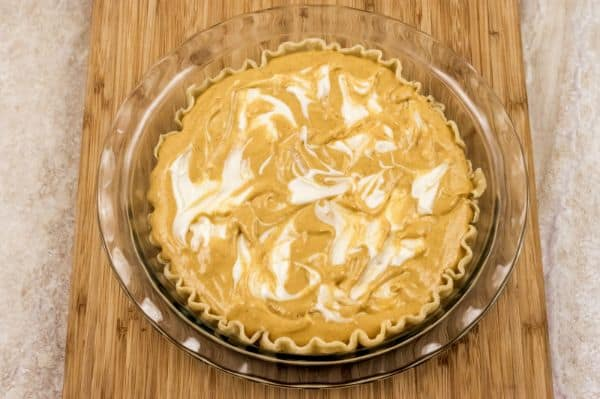 how to swirl pumpkin cream cheese pie