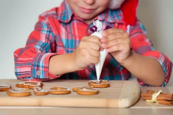 Christmas activities for preschoolers decorating cookies