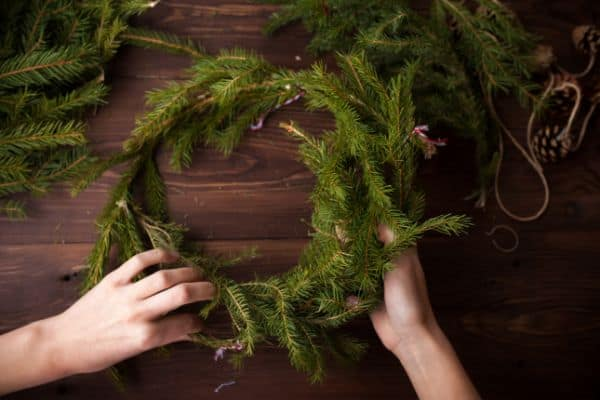 Christmas activities for preschoolers making a wreath