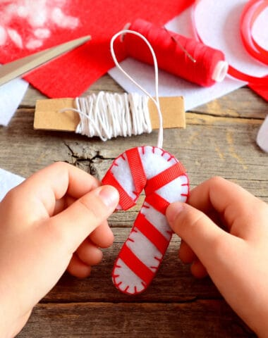 Christmas activities for preschoolers making an ornament